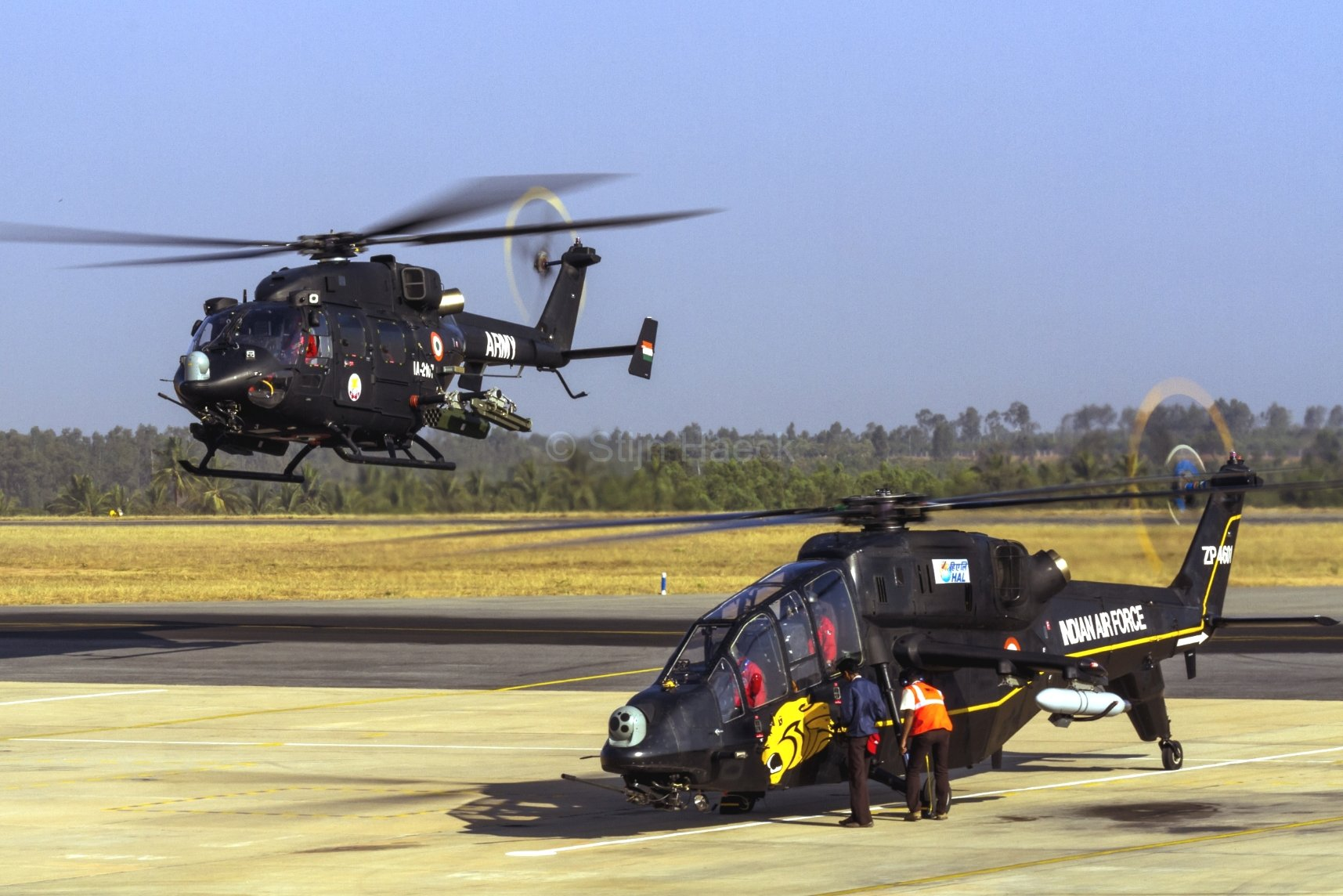 2992038-hal-rudra-hal-light-combat-helicopter-lch-helicopters___mixed-wallpapers.jpg