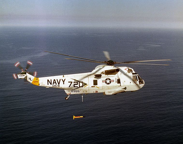 758px-SH-3H_HS-8_with_MAD_deployed_1980.JPEG