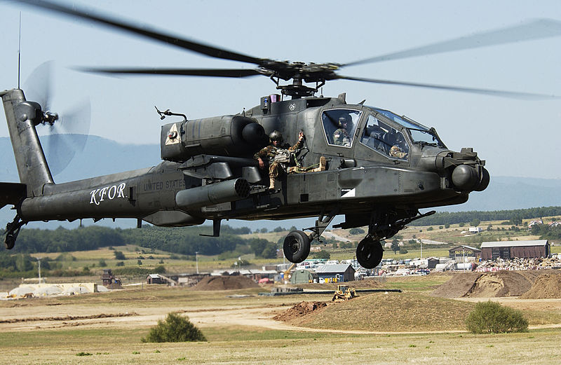 800px-AH-64_Apache_extraction_exercise.jpg