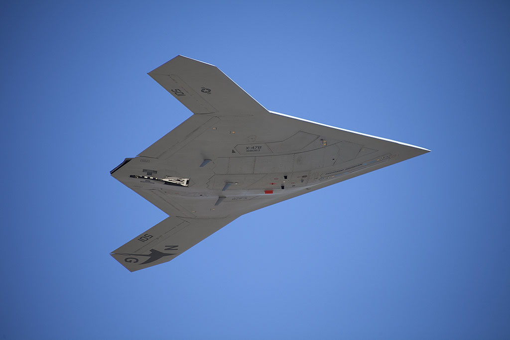 AIR_UAV_X-47B_UCAS-D_Flight_Test_Underside_NGC_lg.jpg