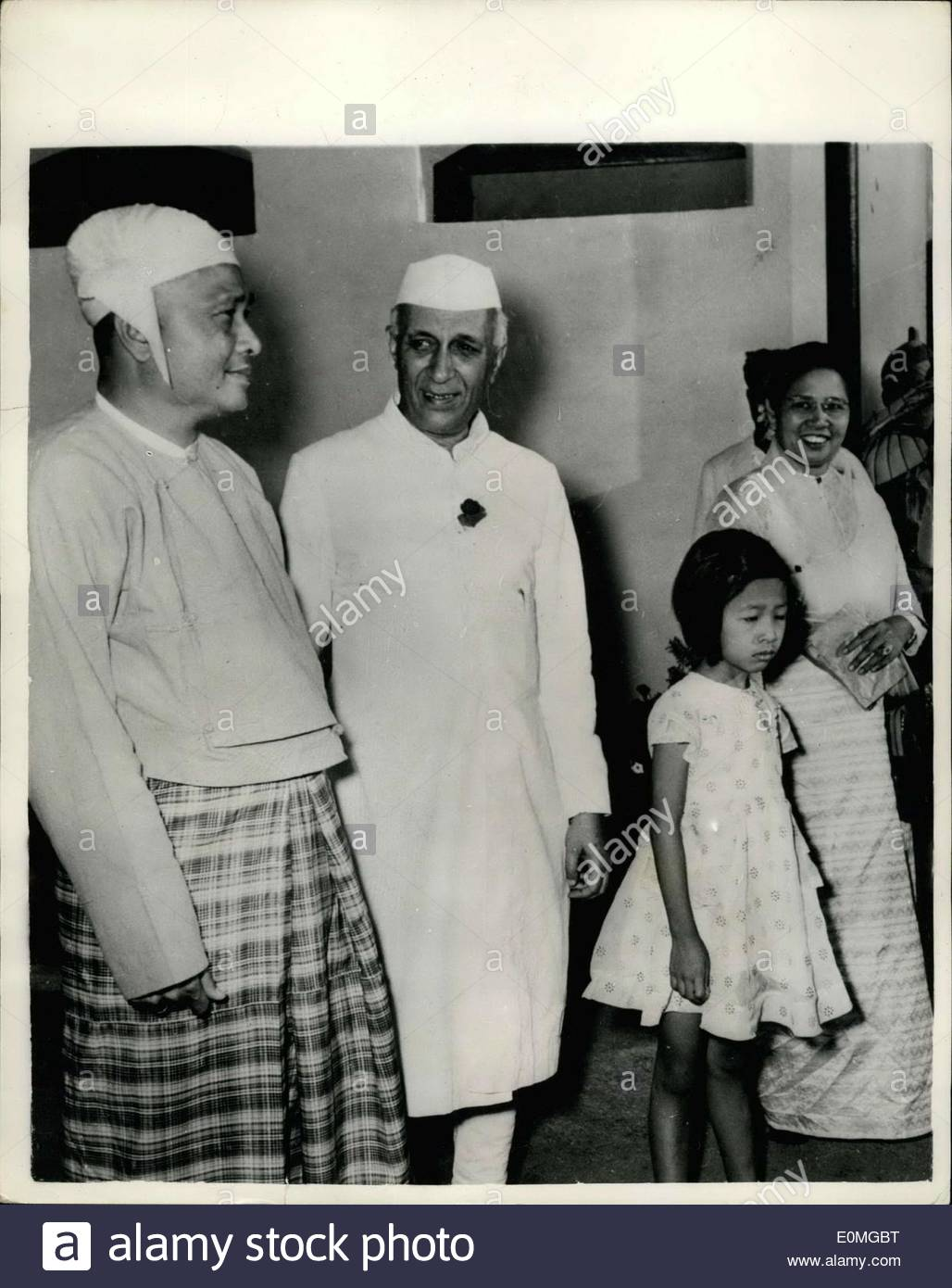 apr-03-1955-the-prime-minister-of-burma-arrives-in-india-greeted-by-E0MGBT.jpg