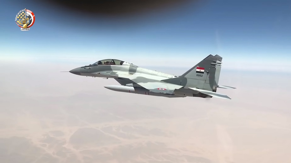 Egyptian Air Force (EAF) - Page 8 Egypt_counters_turkey_with_massive_military_exercises_along_libyan_border-02-jpg