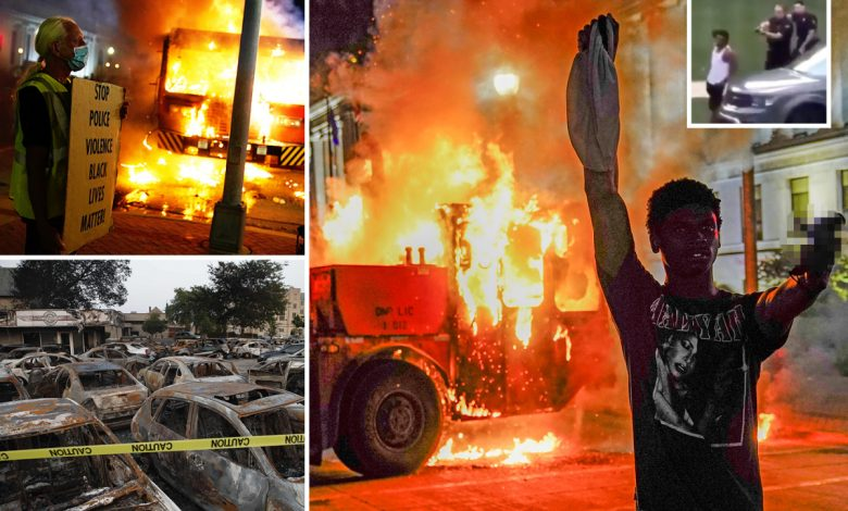 Kenosha-protests-–-Cars-and-buildings-in-flames-in-second-780x470.jpg