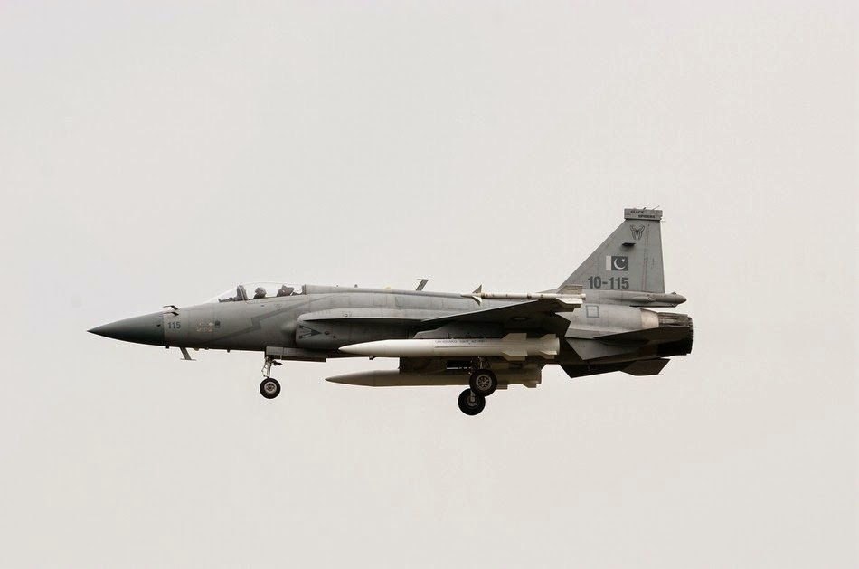 Pakistan Air Force JF-17 fighter with CM-400AKG supersonic ground missiles 1.jpg