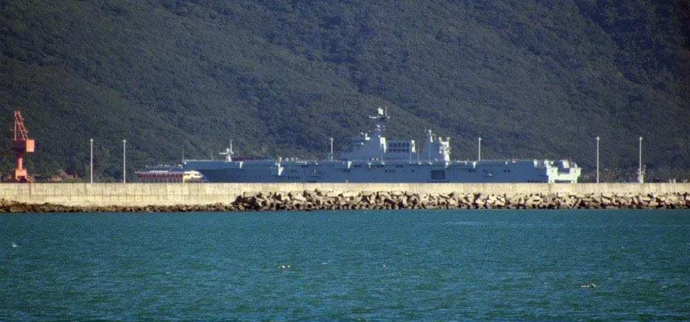 Type 075 LHD #1 spotted in Yulin, Hainan late Nov 2020.jpg