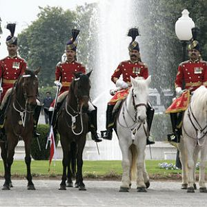 Pakistan_cavalry_honor_guard