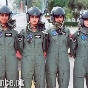 Flying Female Officers